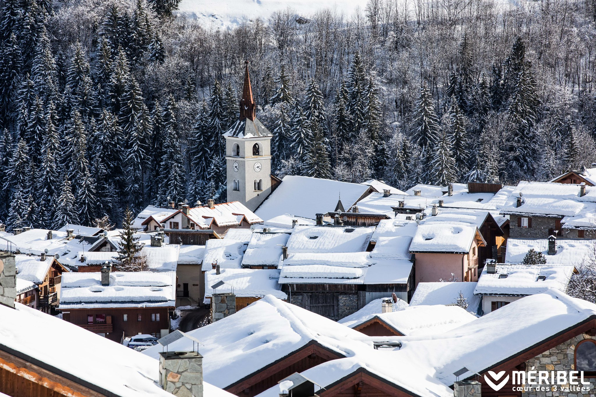 ​Reasons why the village of Meribel Les Allues is the best place in Meribel to stay in for a winter holiday