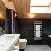 A lovely modern bathroom in Chalet L'Erine