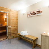 All the spa facilities you could hope for, sauna, steam room, loungers, massage room & wet room.