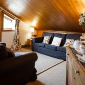 La Vieille Scierie offers 2 comfortable living rooms in this spacious chalet