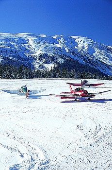 Aeroplanes grounded on the snow